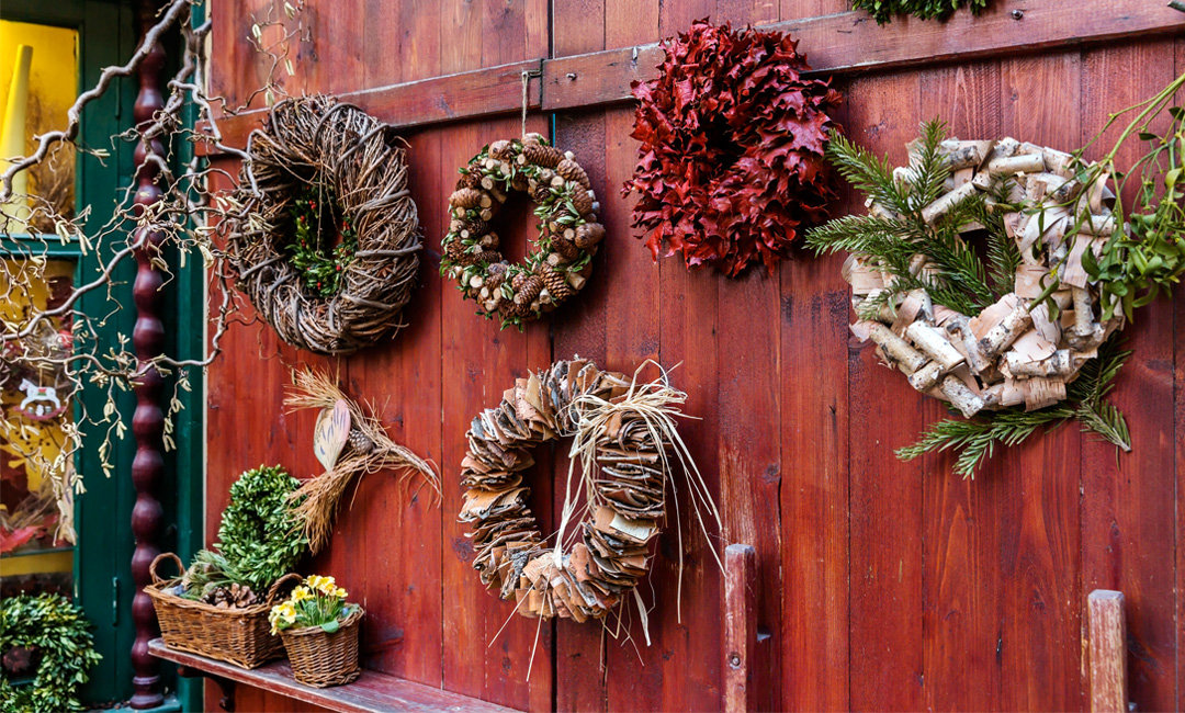 Get Inspired to Decorate with these 9 Festive Holiday Wreaths | InStyleRooms.com/Blog