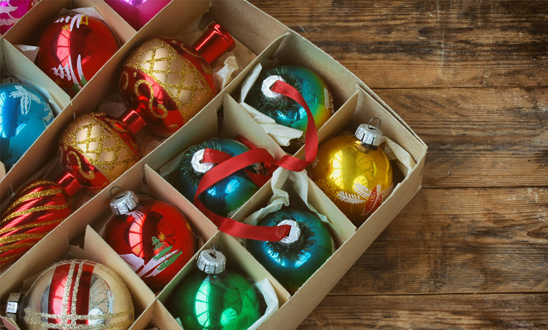 Genius Tips for Storing Holiday Decorations | InStyleRooms.com/Blog