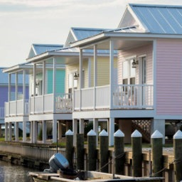 10 Cozy-Coastal Airbnbs for the Last Days of Summer   InStyleRooms.com/Blog