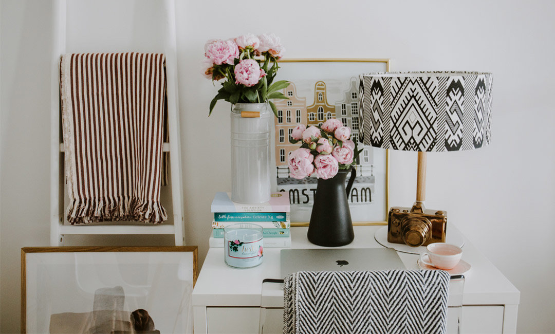 Mucho Thanks to These 15 Cute Home Offices for Inspiring Us to Clean Our Desks | InStyleRooms.com/Blog