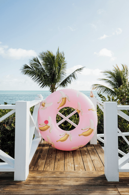 Cute Pool Accessories That Will Have You Saying HOMG That's So Cute | InStyleRooms.com/Blog