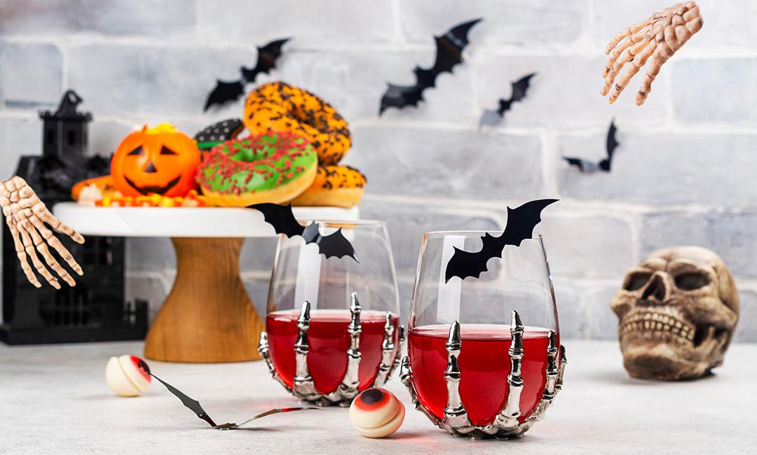 HalloweenBarCart-InStyleRooms